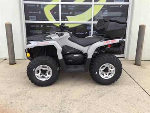 2016 Can-Am Outlander™ DPS 650 in Grimes, Iowa