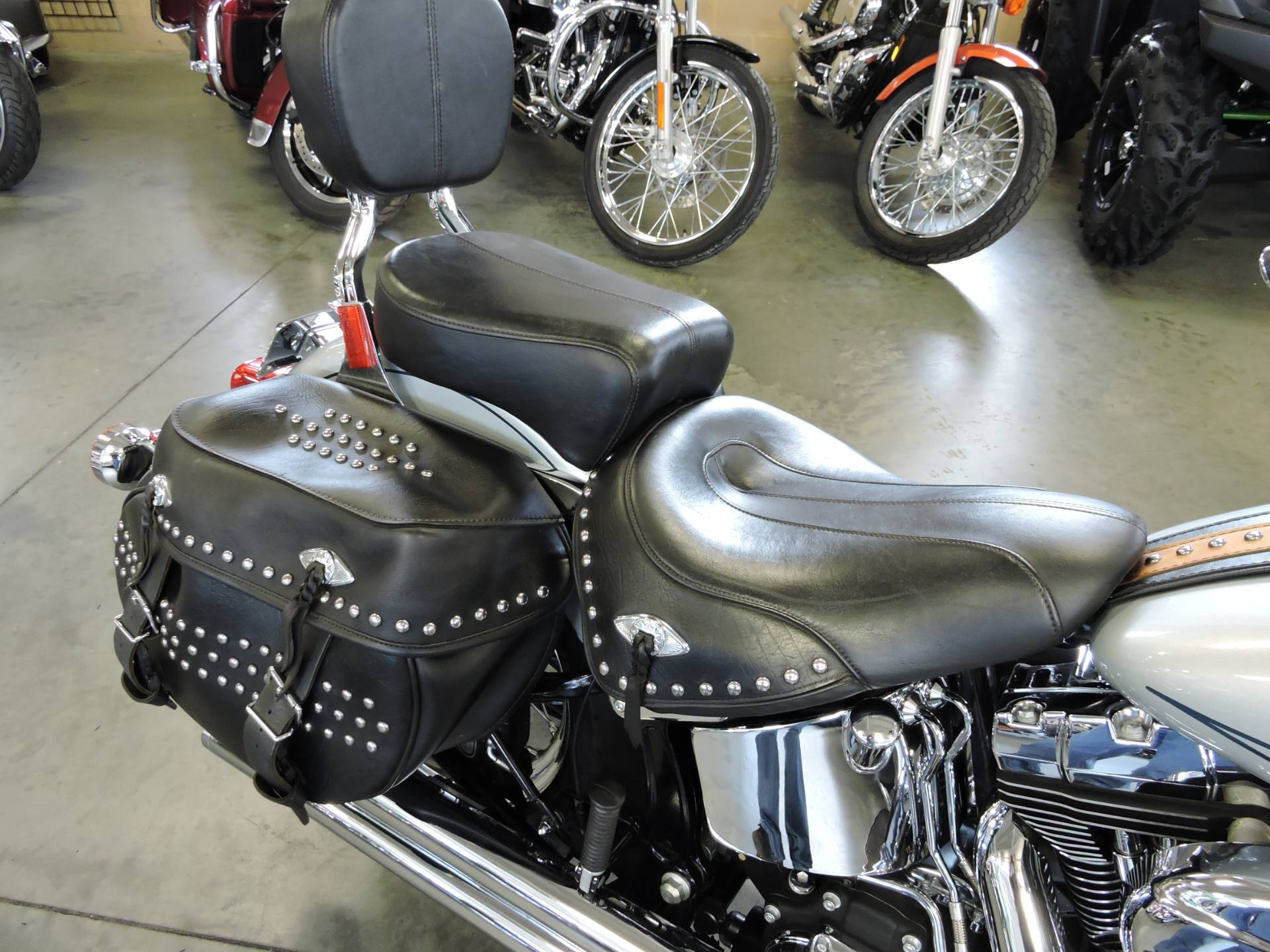 used 2010 harley davidson heritage softail classic. Black Bedroom Furniture Sets. Home Design Ideas