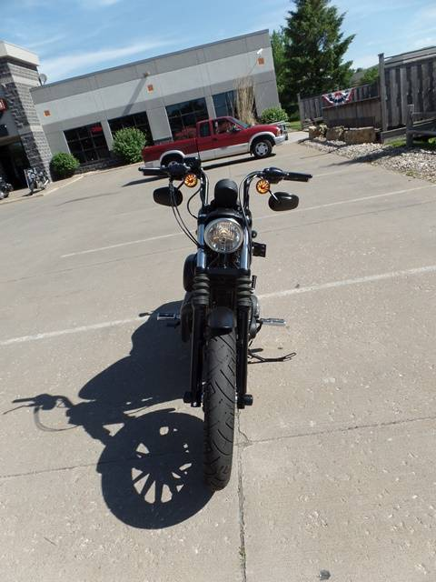 2015 Harley-Davidson Iron 883™ in Davenport, Iowa