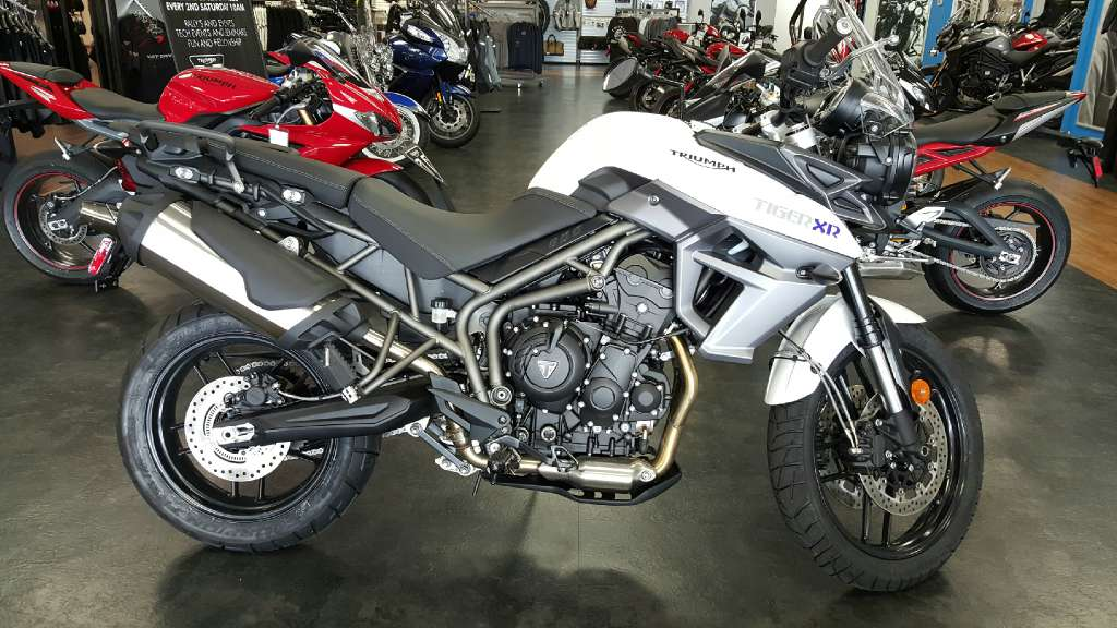 2016 Tiger 800 XR Crystal White