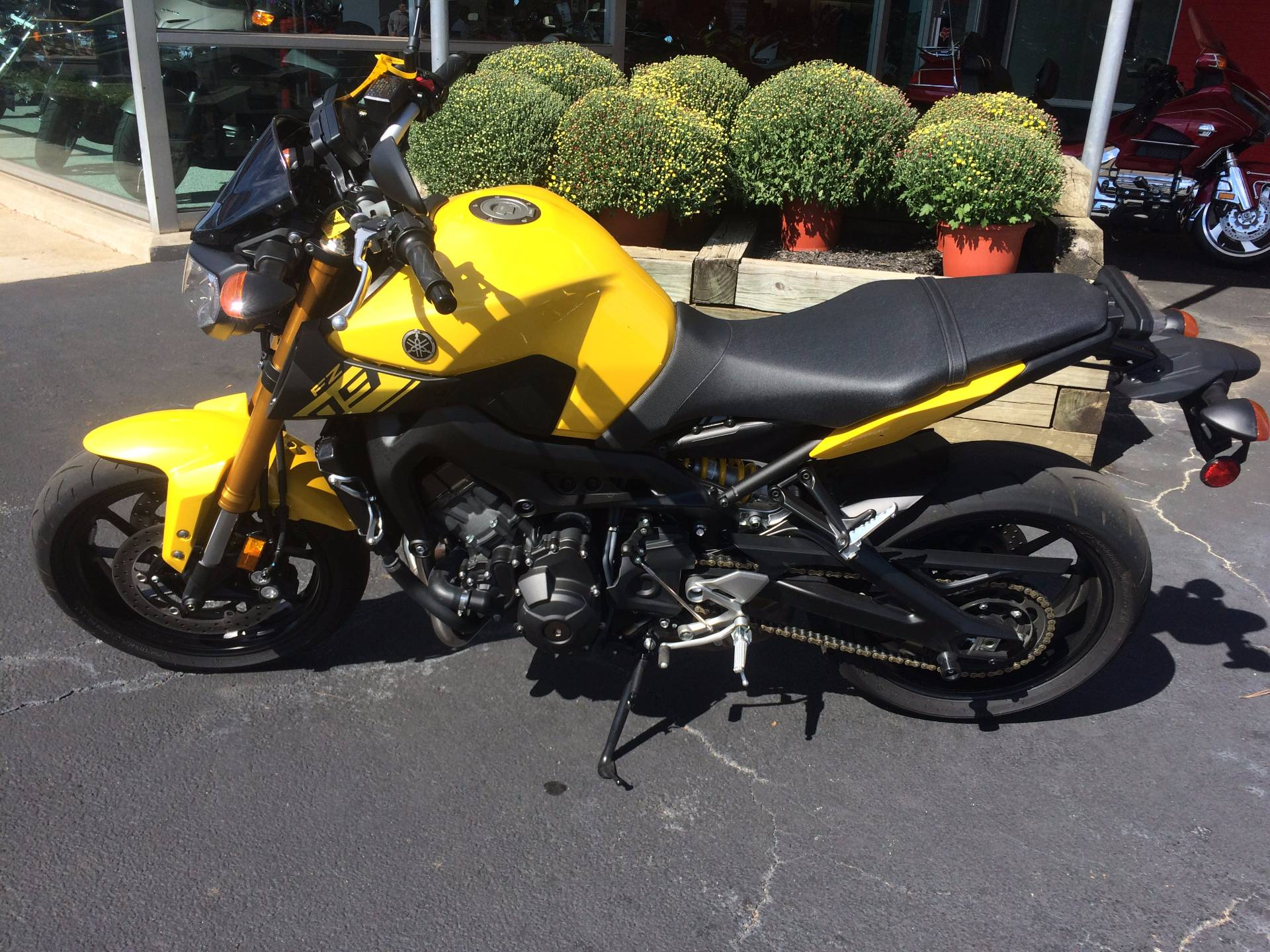 Used 2015 yamaha fz 09 motorcycles in knoxville tn for Honda and yamaha of knoxville