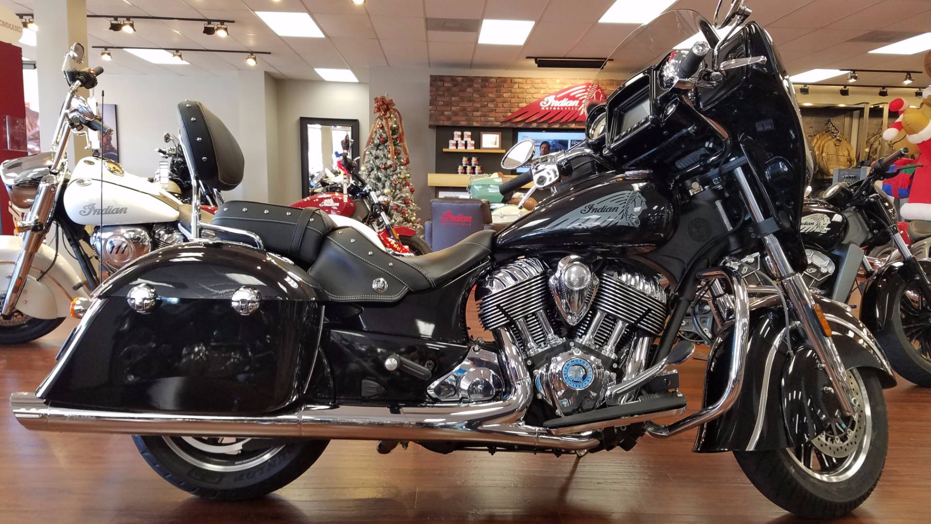 2017 indian chieftain black 2017 indian cruiser for Honda and yamaha of knoxville