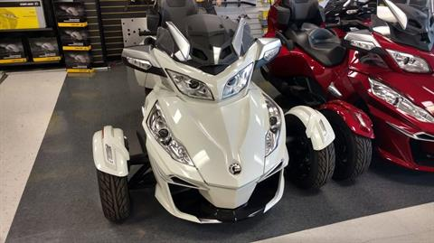 2016 Can-Am Spyder® RT-S SM6 in Greenville, South Carolina