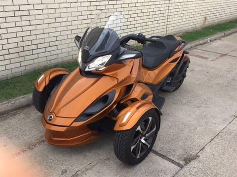 2014 Can-Am Spyder® ST-S SE5 in Richardson, Texas
