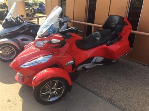 2011 Can-Am Spyder® RT-S SE5 in Richardson, Texas