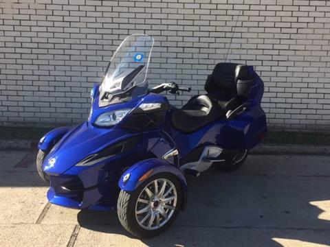 2013 Can-Am Spyder® RT SE5 in Richardson, Texas