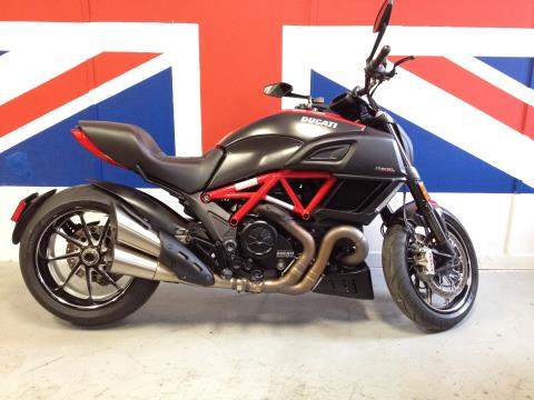 2015 Ducati Diavel Carbon in Philadelphia, Pennsylvania