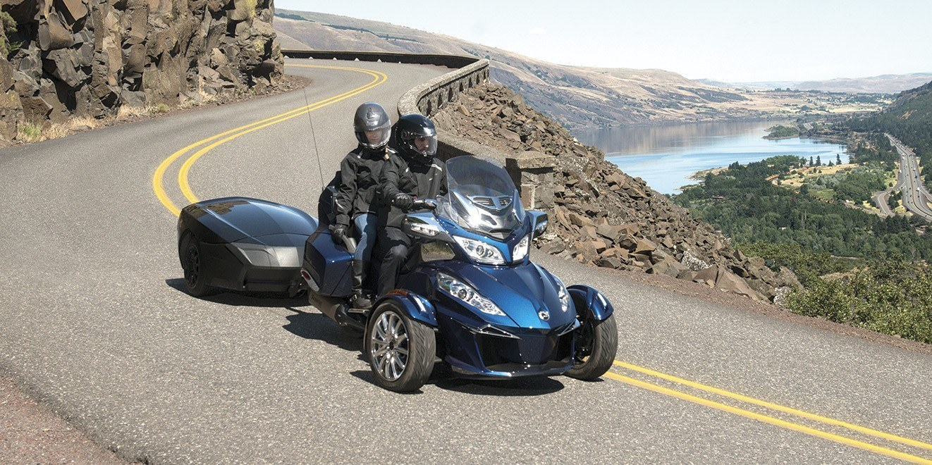 2016 Can-Am Spyder® RT-S SM6 in Canton, Ohio