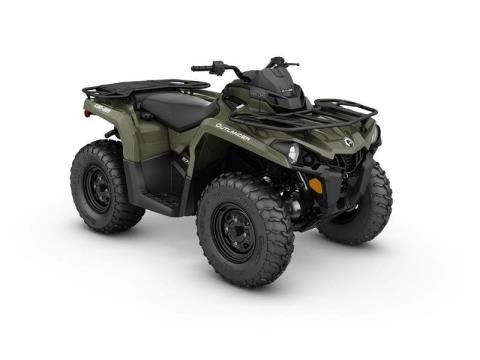 2017 Can-Am Outlander™ 570 in Hudson, Wisconsin