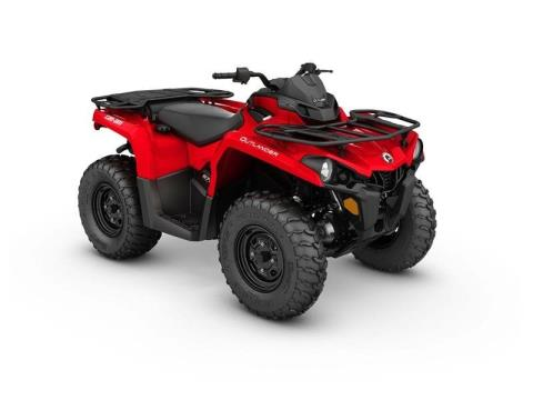 2017 Can-Am Outlander™ 570 in Johnson Creek, Wisconsin