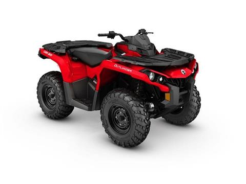 2017 Can-Am Outlander™ 650 in Pompano Beach, Florida