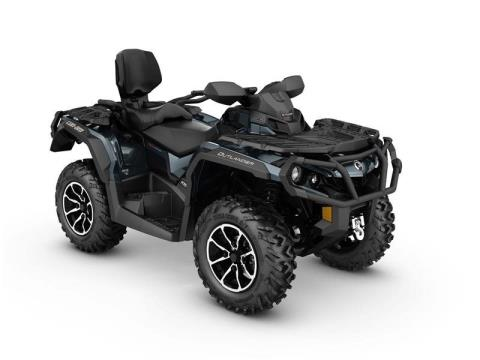 2017 Can-Am Outlander™ MAX Limited in Mars, Pennsylvania