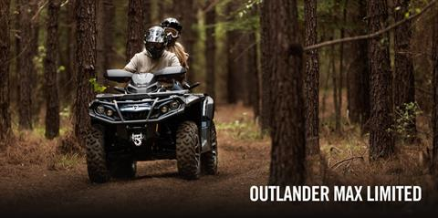 2017 Can-Am Outlander™ MAX Limited 1000 in Hanover, Pennsylvania