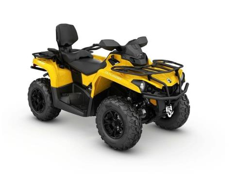 2017 Can-Am Outlander™ MAX XT™ 570 in Johnson Creek, Wisconsin