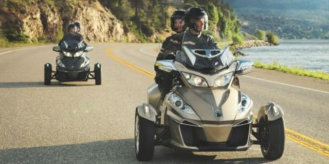 2017 Can-Am Spyder® RT-S in Brighton, Michigan