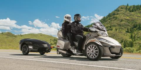 2017 Can-Am Spyder® RT Limited in Pompano Beach, Florida