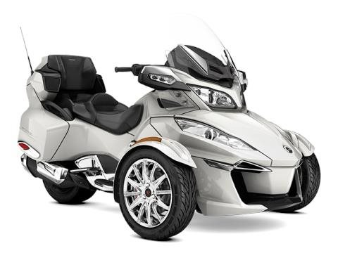 2017 Can-Am Spyder® RT Limited in Brighton, Michigan