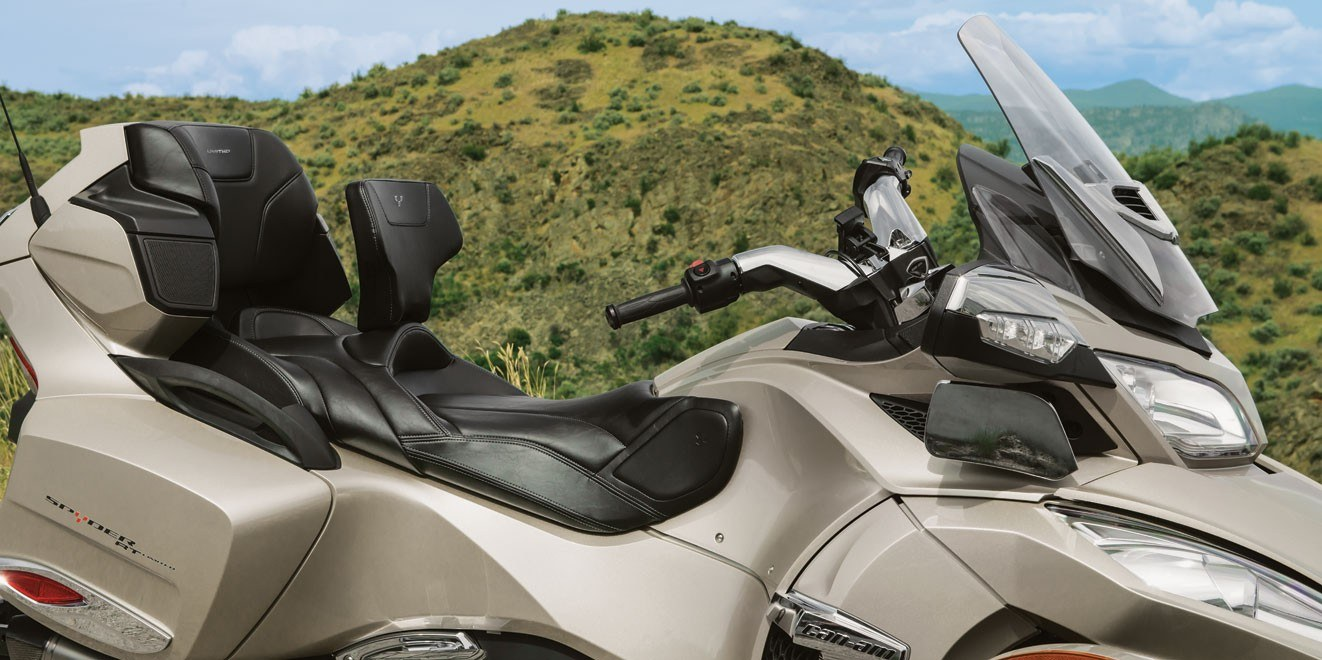 2017 Can-Am Spyder® RT SM6 in Brighton, Michigan