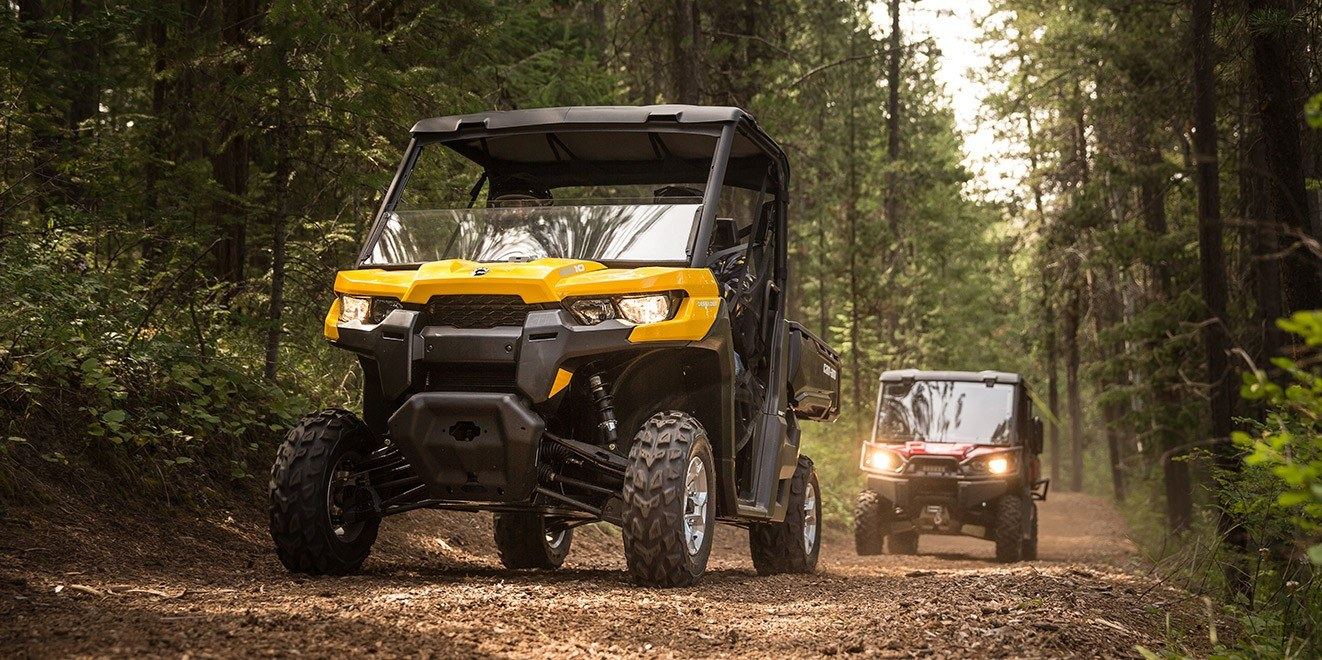 2017 Can-Am Defender XT™ CAB HD10 in Brighton, Michigan