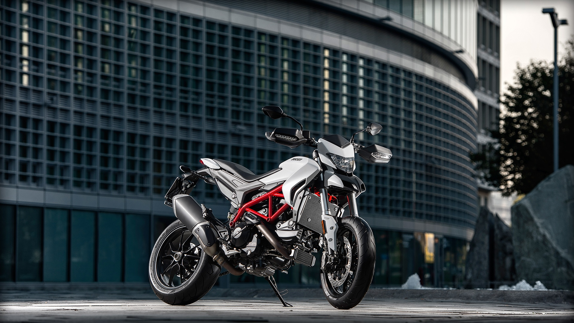 2017 Ducati Hypermotard 939 in Thousand Oaks, California