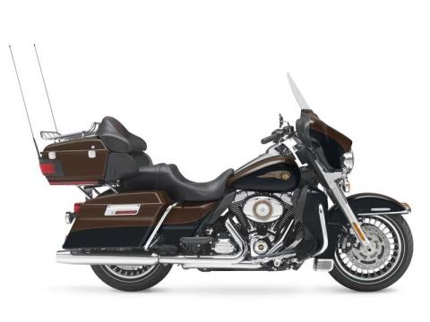 2013 Harley-Davidson Electra Glide® Ultra Limited 110th Anniversary Edition in Fort Wayne, Indiana