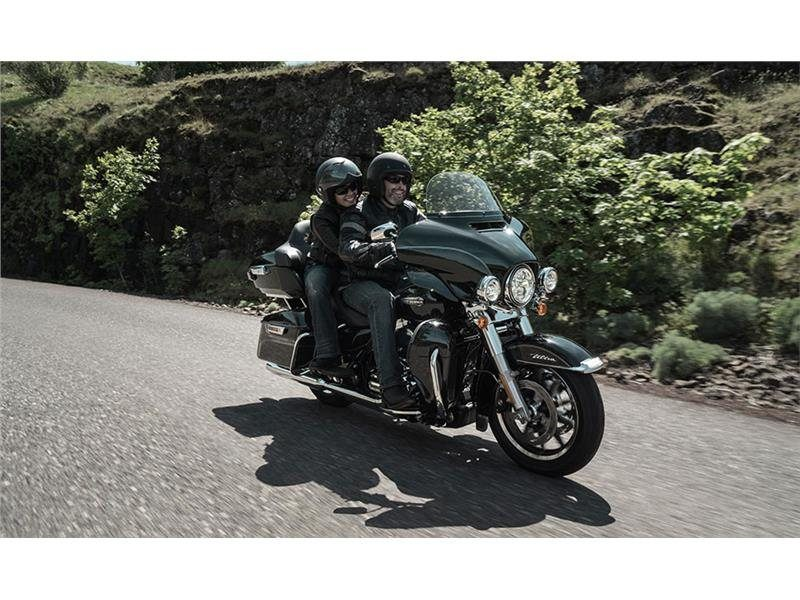 2015 Harley-Davidson Electra Glide® Ultra Classic® Low in Milwaukee, Wisconsin