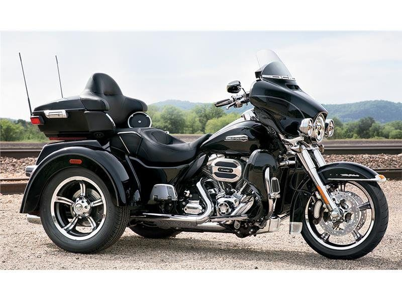 2015 Harley-Davidson Tri Glide® Ultra in Milwaukee, Wisconsin