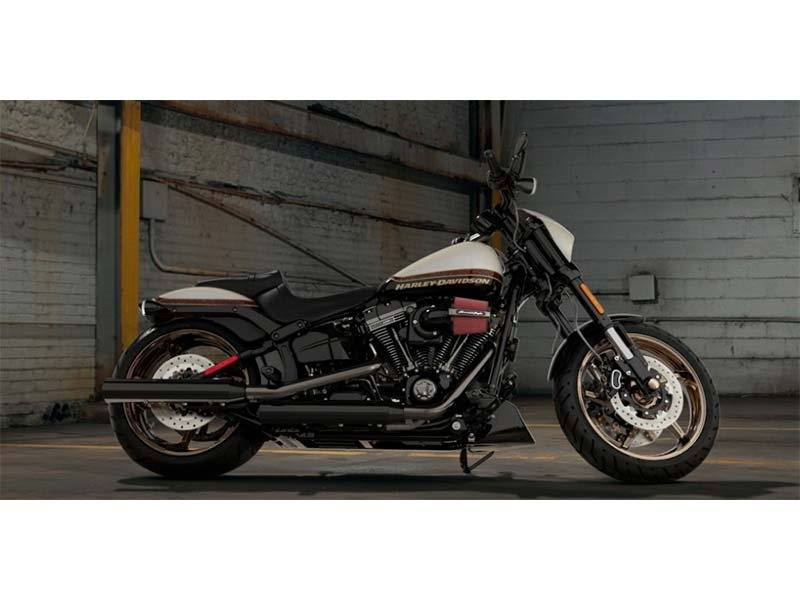 2016 Harley-Davidson CVO™ Pro Street Breakout® in Athens, Ohio