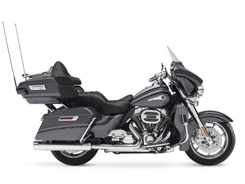 2016 Harley-Davidson CVO™ Limited in Darlington, Maryland