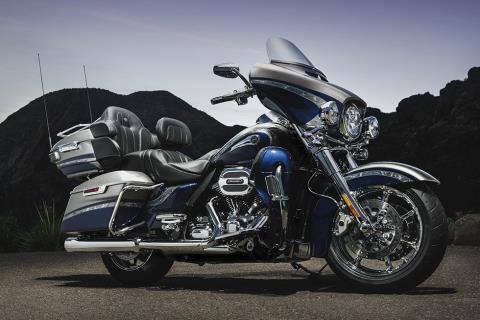 2016 Harley-Davidson CVO™ Limited in Milwaukee, Wisconsin