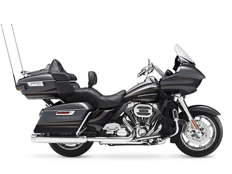 2016 Harley-Davidson CVO™ Road Glide™ Ultra in Orchard Park, New York