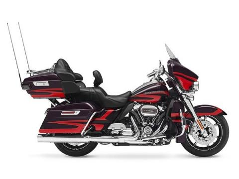 2017 Harley-Davidson CVO™ Limited® in South Charleston, West Virginia