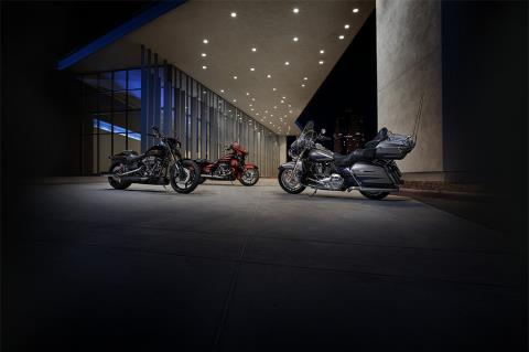 2017 Harley-Davidson CVO™ Street Glide® in South San Francisco, California