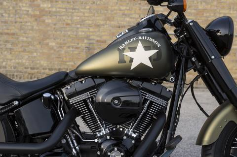 2017 Harley-Davidson Softail Slim® S in Davenport, Iowa