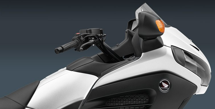 2016 Honda Gold Wing F6B® Deluxe in Fontana, California