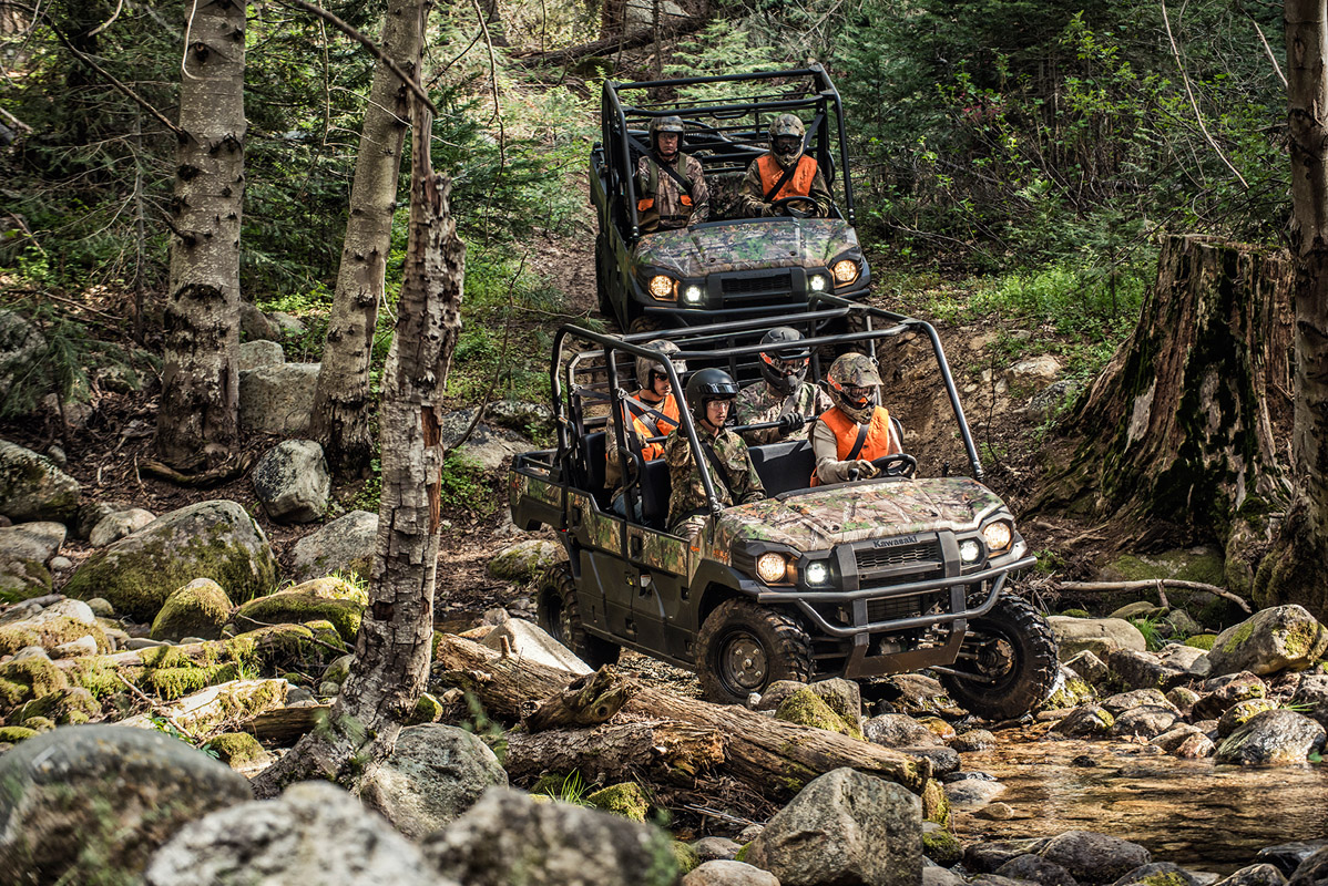 2017 Kawasaki Mule PRO-FXT™ EPS Camo in Mount Pleasant, Michigan
