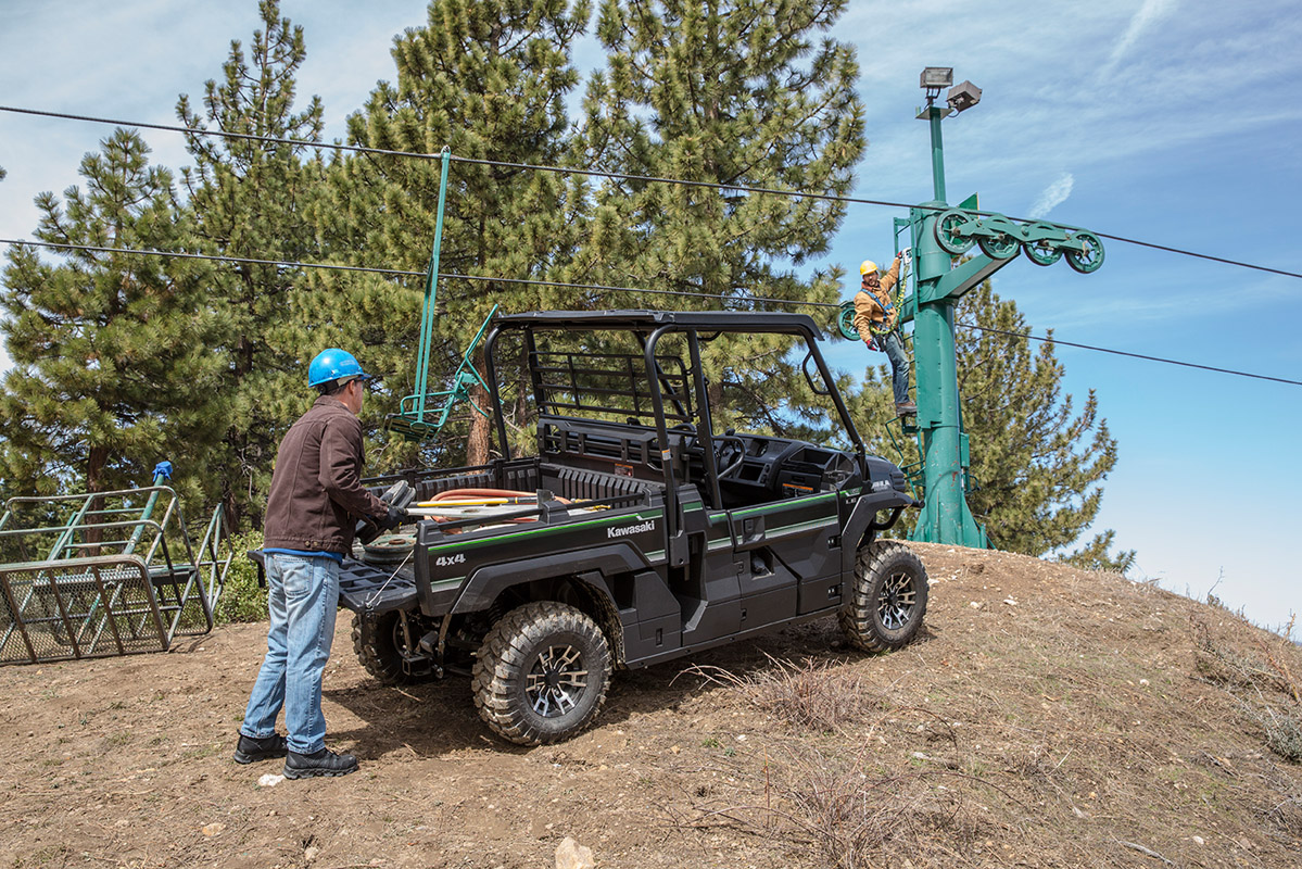 2017 Kawasaki Mule PRO-FX™ EPS LE in Mount Pleasant, Michigan