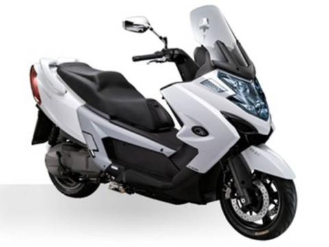 2015 Kymco MYROAD 700i in Oakland, California
