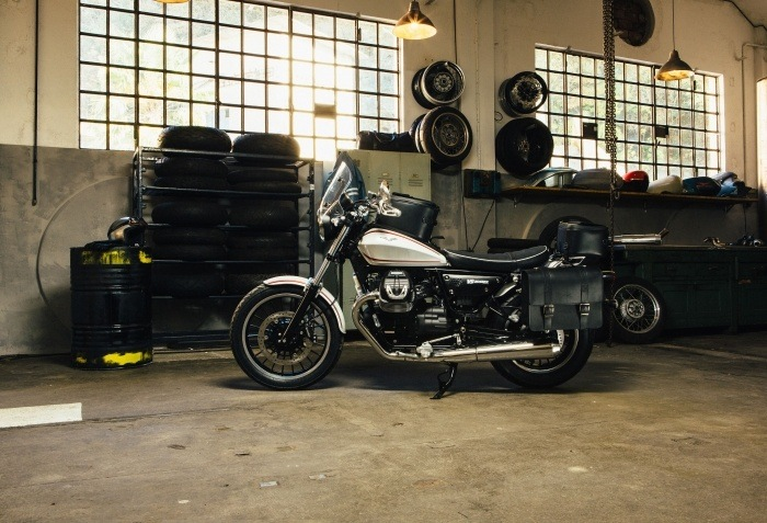 2016 Moto Guzzi V9 Roamer in Denver, Colorado