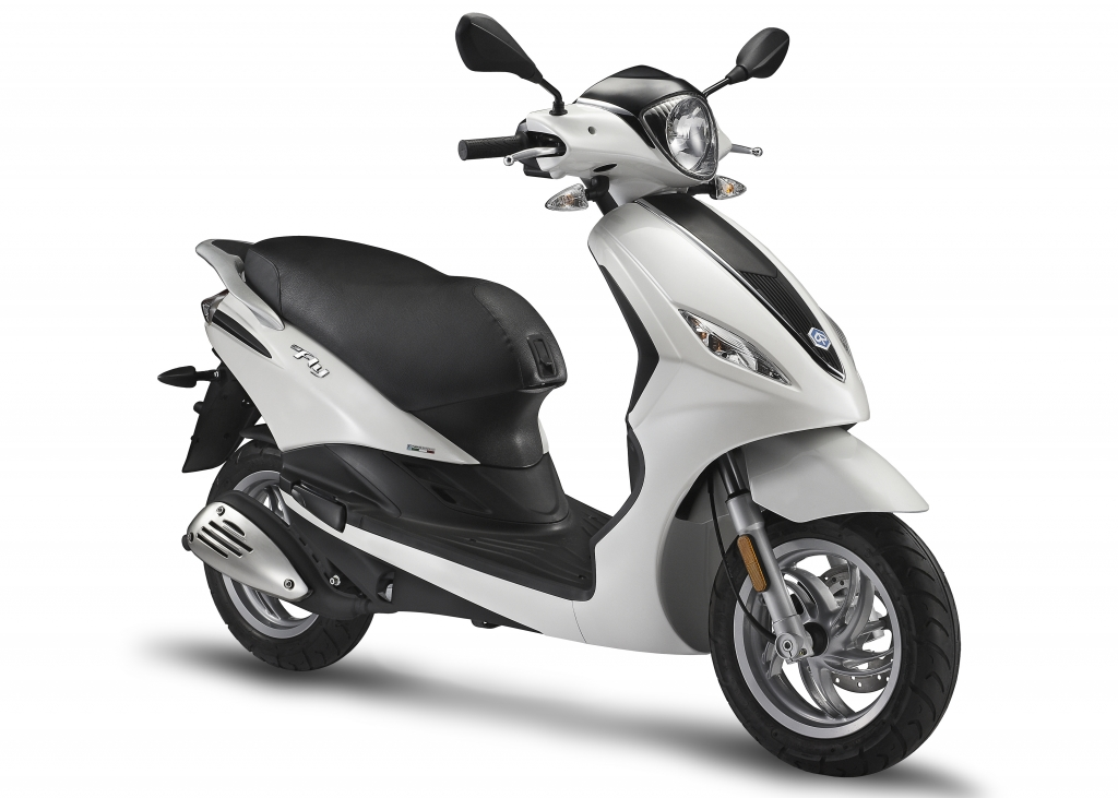 new 2017 piaggio fly 50 4v scooters in sherman oaks ca. Black Bedroom Furniture Sets. Home Design Ideas