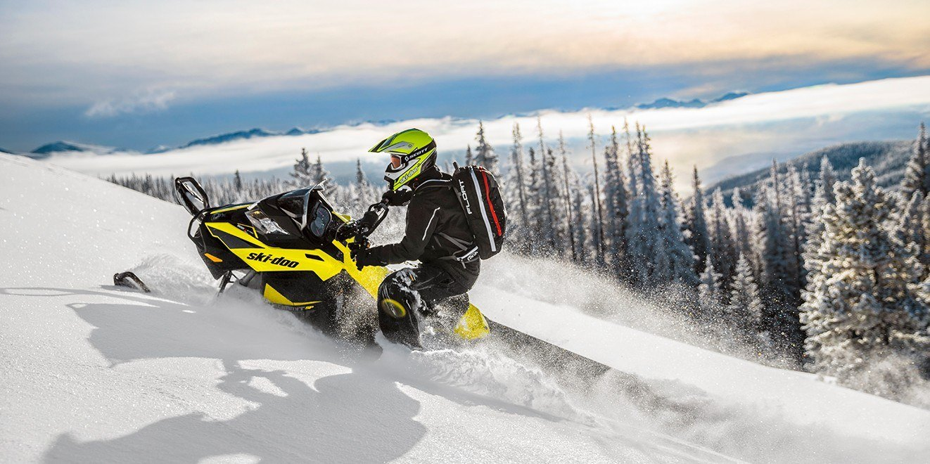 "2017 Ski-Doo Summit® SP 146 800R E-TEC®, PowderMax 2.5"" in Hanover, Pennsylvania"
