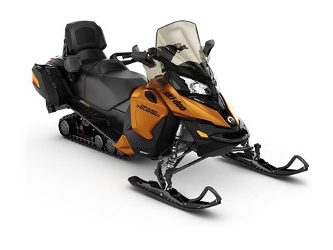 2017 Ski-Doo Grand Touring SE 900 ACE™ in Land O Lakes, Wisconsin