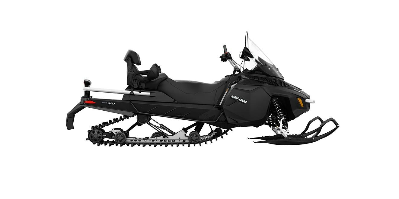 2017 Ski-Doo Expedition® LE 900 ACE™ in Pendleton, New York