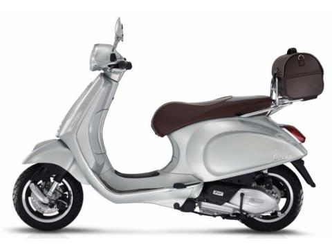 2016 Vespa Primavera 150 Settantesimo in Oakland, California