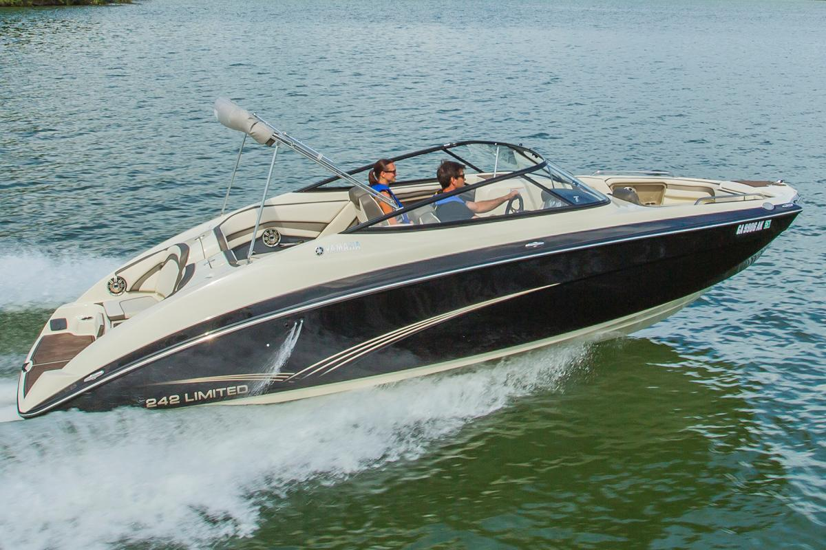 2015 Yamaha 242 Limited in South Windsor, Connecticut
