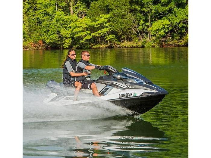 2015 Yamaha FX Cruiser HO® in Johnson Creek, Wisconsin
