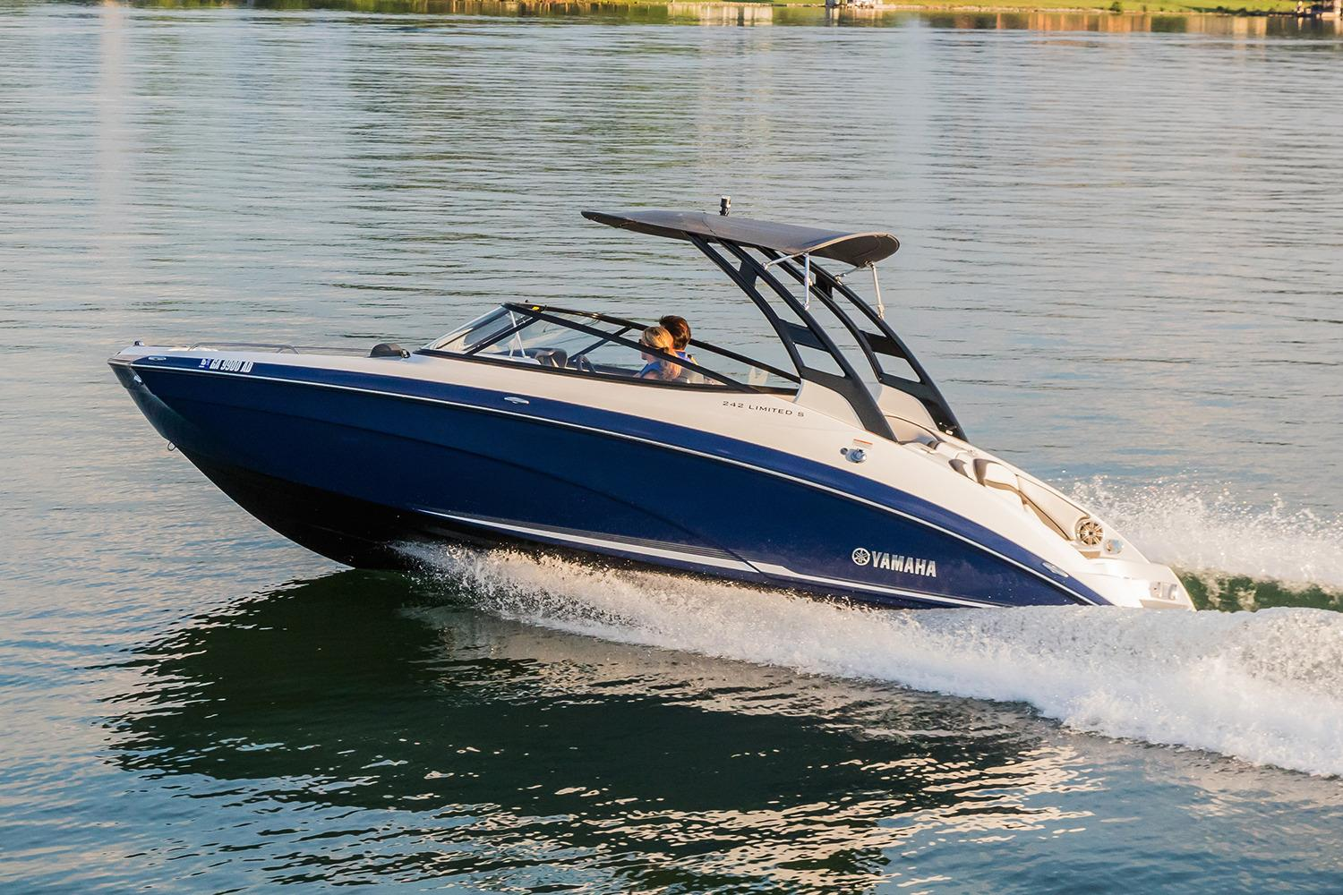 2017 Yamaha 242 Limited S in South Windsor, Connecticut